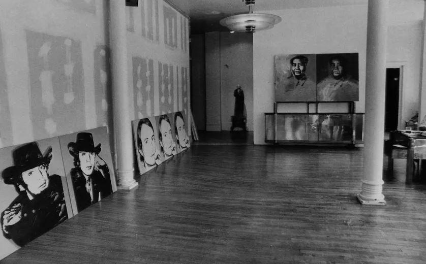 Art contemporain : comment les artistes réinventent le corporatisme